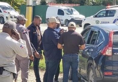 Detienen ex empleado de Migración y a otro hombre por presuntos vínculos con asesinatos en Bávaro