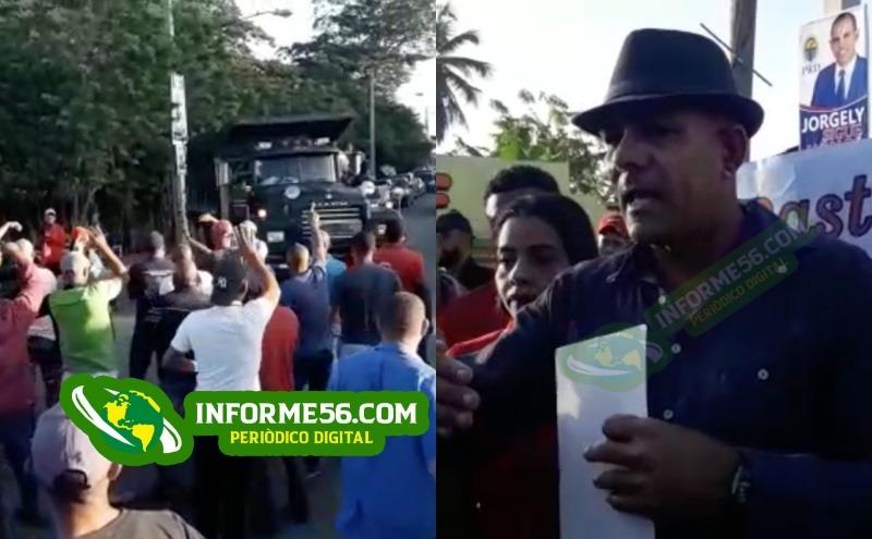 Video: Comunidades Cenoví y Sabana Rey Abajo bloquean carretera SFM – Santo Domingo – .