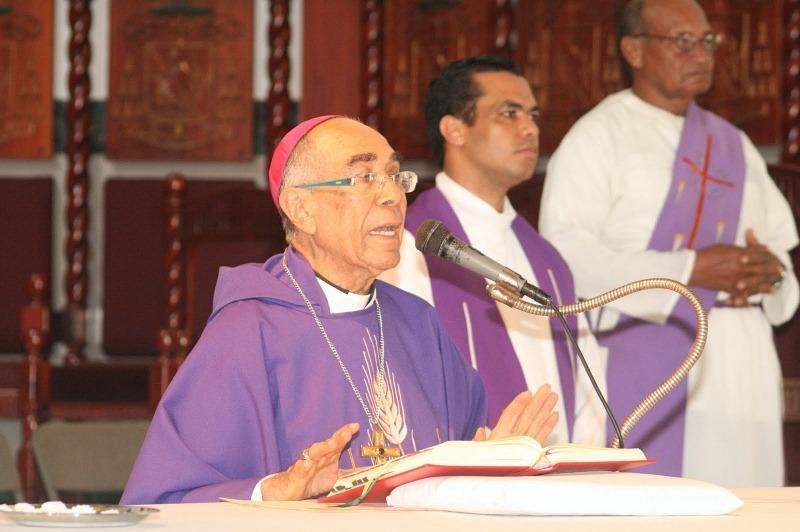 Obispo emérito de SFM pide al pueblo dominicano a mantenerse en oración y tomar medidas necesarias – .