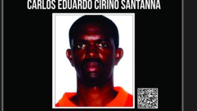 Foto de Preso recentemente, líder da milícia de Itaboraí é suspeito de matar jovem após roubar celular. Comparsa esfaqueou amigo da vítima