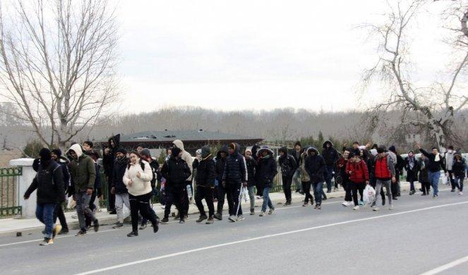 (ФОТО / ВИДЕО) АЛАРМ!  Мигранти реки кои започнуваат од ТУРЦИЈА до Европа!