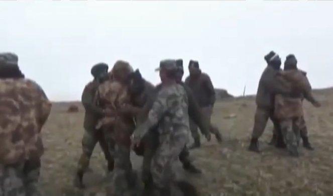 (VIDEO) MASOVNA TUČA NA HIMALAJIMA! Više od 150 vojnika kineske i indijske vojske se makljali na granici, povređenih ima na obe strane!