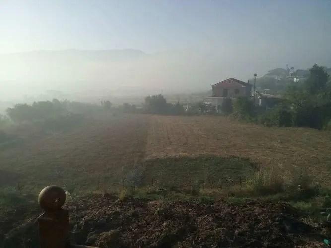 Cerrik / Derdhja dhe djegia e plehrave po shkatërron bujqësinë, blegtorinë por mbi të gjitha jetën e njerëzve