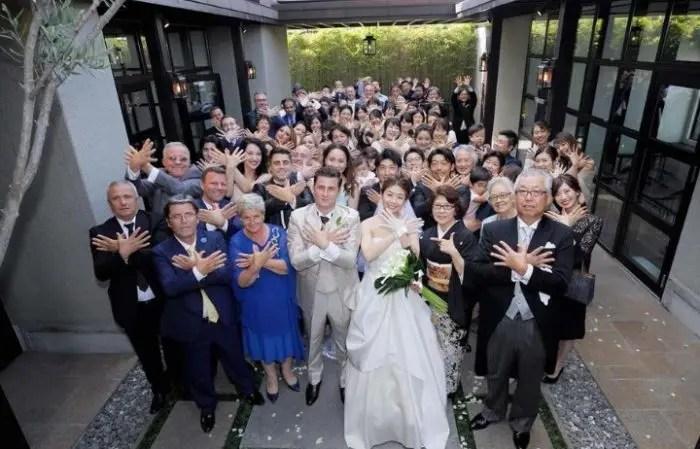 Simboli i shqiponjës 'pushton' Japoninë, arsyeja: dhëndëri nga Fieri