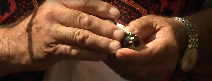 Gdhendësi i pipave, i fundmi i artizanëve të familjes Skënderi