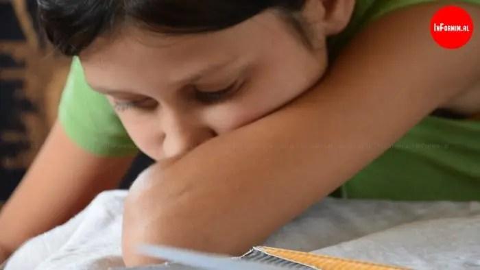 Kam shumë dëshirë të shkoj në shkollë… Rrezikon të humbasë shikimin si dhe të mbetet pa arsim…