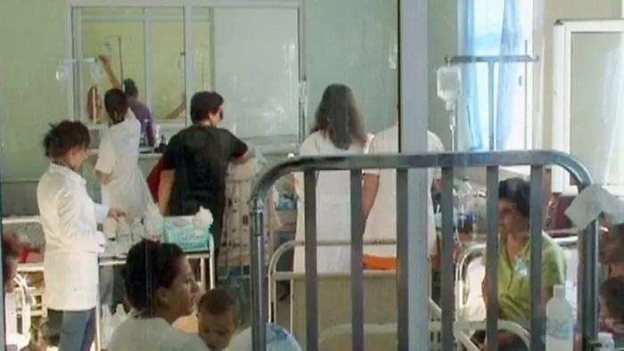Të gjithë drejt pediatrisë, ambulancat nuk punojnë…
