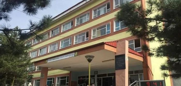 Dibër/ Furtunë në spital, kupola drejtuese pa shkollën përkatëse