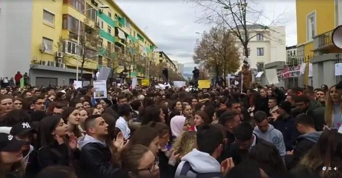 "Nga Rudian Zekthi ""Reforma në Arsim"""