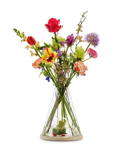 pasu bunga hadiah untuk ibu