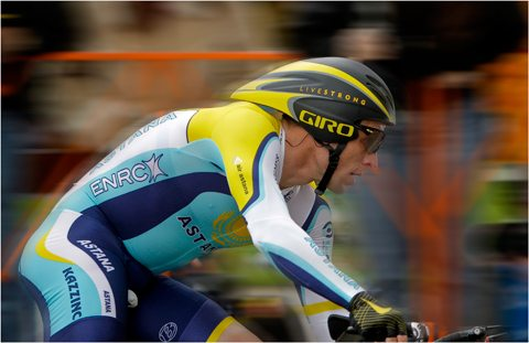 AMGEN Tour of California – A Stage One Crash 1