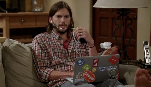 Ashton Kutcher laptop