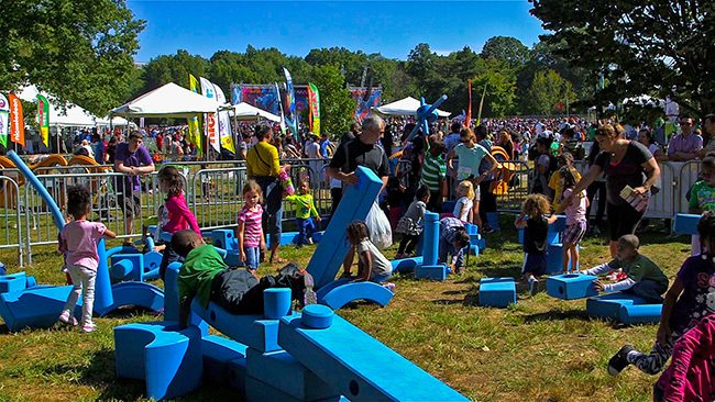 How Families Can Have Hours of Fun Together in a Variety of Ways 1
