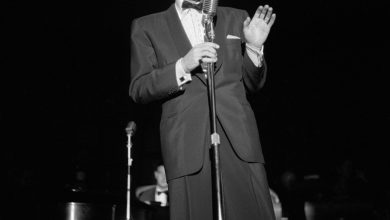 Photo of Las Vegas Toasts Frank Sinatra in Honor of 100th Birthday Celebration