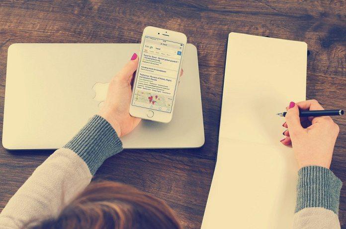 mobile-phone-laptop-writing-pad