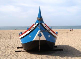nazareth beach portugal