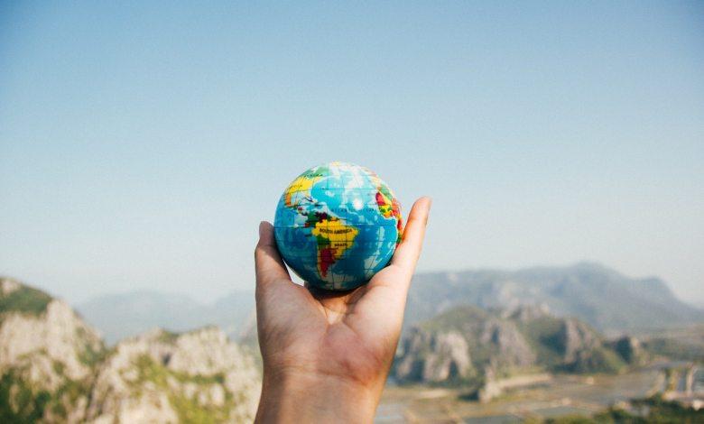 earth globle travel