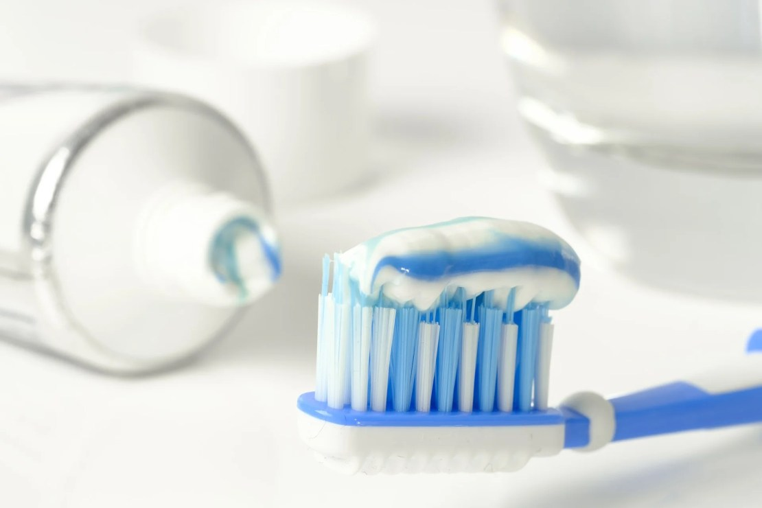 Toothpaste treatment for acne