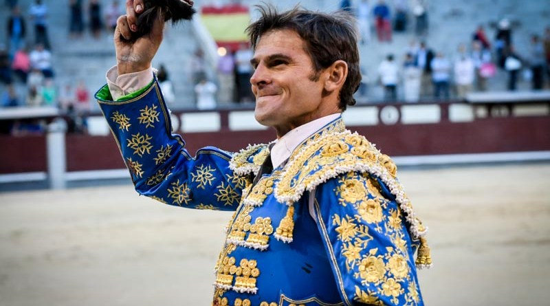 Eugenio de Mora estrena apoderado