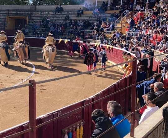 Puerta grande para Diego García en la novillada matinal de Tafalla