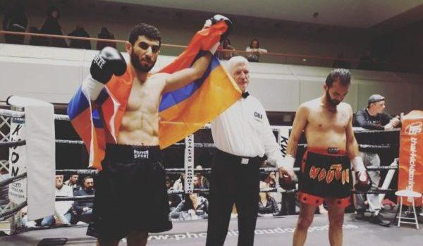 "Армянский боксер по прозвищу ""Ураган"" за 45 секунд нокаутировал своего турецкого соперника"