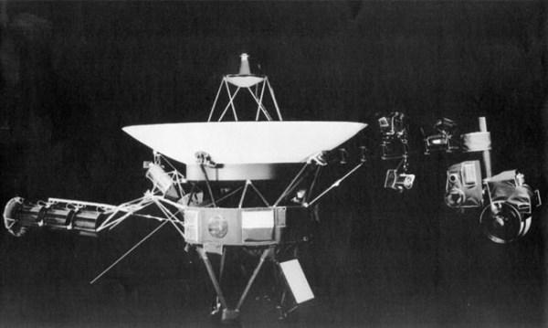 NASA's Voyager 2 becomes 2nd craft in interstellar space ...