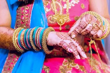 How To Choose Your Saree for Engagement 1