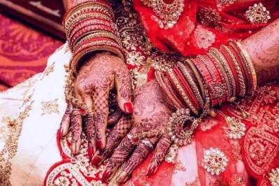 How To Choose Your Saree for Engagement 3