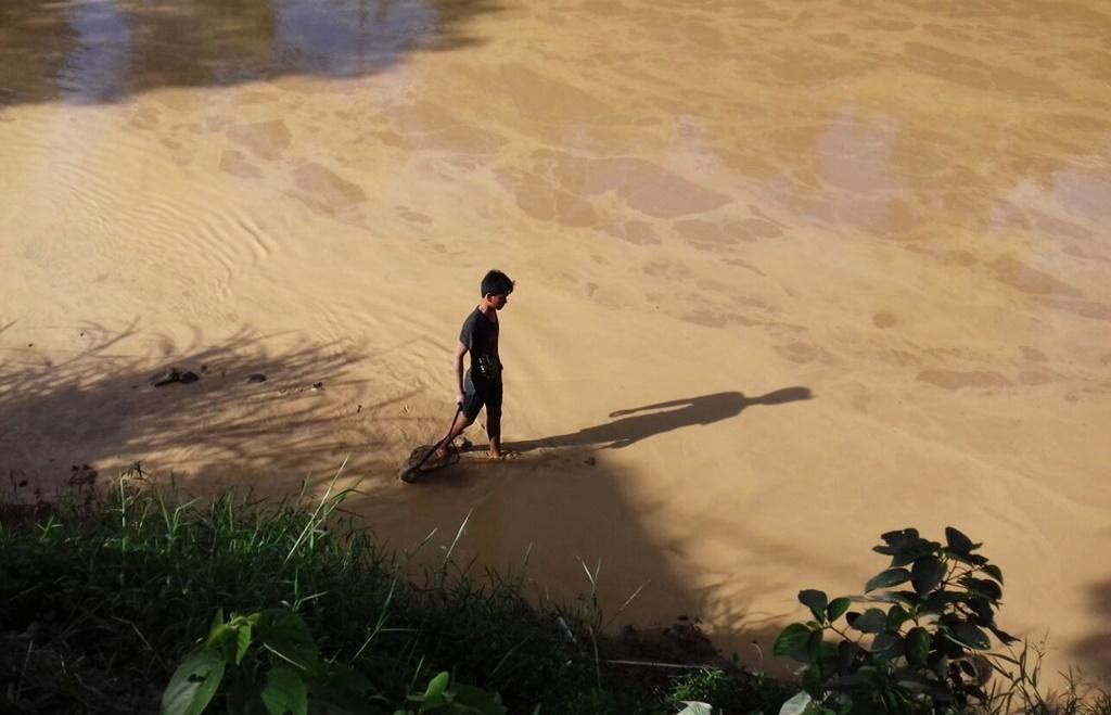Aliran air Sungai sa'dan menjadi keruh.