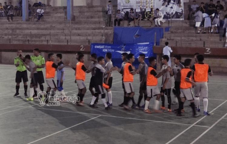 Pertandingan perdana Osara Cup V mempertemukan Tim Panitia OSARA VS Pendekar FC.