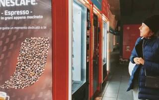 Вендинг от Nescafé переходит на зерновой кофе и уходит в 100% безнал