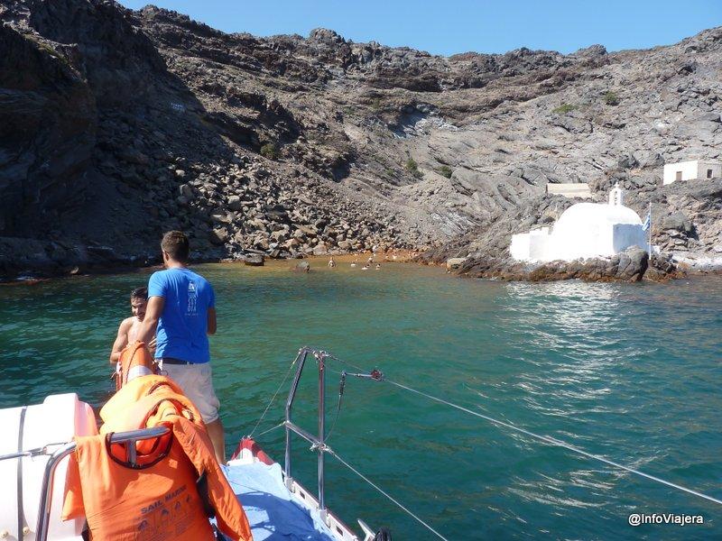 Agua_Sulfurosa_Volcan_Catamaran_Santorini_Grecia