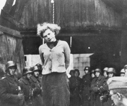 Зверства фашистов над русскими женщинами. Фото