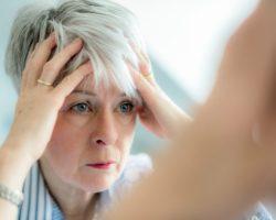 Почему седеют волосы? Стресс — не главная причина!