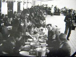 Чем кормили солдат в Советской армии