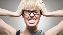 Почему человек скрипит зубами во сне. Причины