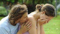 Как успокоить девушку - эффективный способ