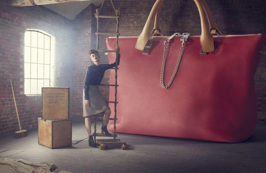 b9d42a5dee99 Почему счастливые женщины не носят большие сумки - infovzor.ru