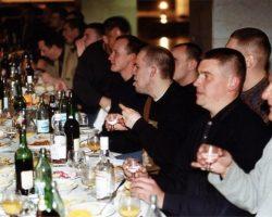 Российские бандиты в 1990-е: как они развлекались