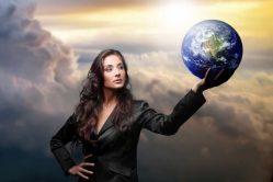 Почему сильных женщин никто не любит в наше время? В чём причины?
