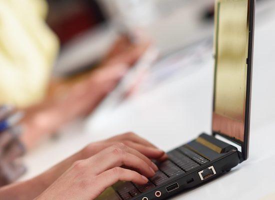 Para facilitar a vida dos investidores, a InfoWorker desenvolveu para o Paraná Banco o Invista Já, um canal onde o correntista faz o cadastro para abertura de conta de investimentos pela internet, sem precisar sair de casa. Todo o processo ocorre de forma digital, inclusive o envio da documentação, que é analisada pelo banco e […]