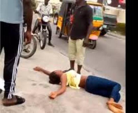 Marry me or I die - Nigerian Lady begs boyfriend, then faints on ...