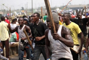 JUST IN: Hoodlums engages security operatives in gun battle, see what happen next
