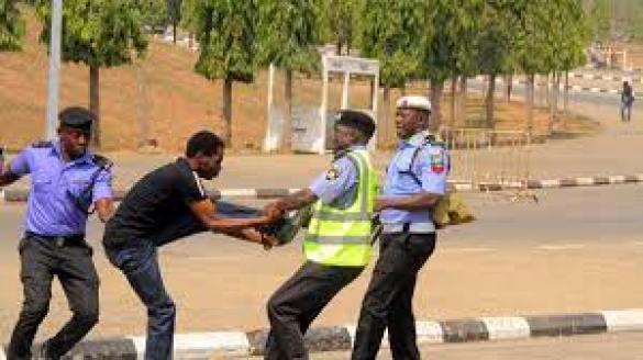 PHOTONEWS: Police Vs Shia Protesters In Abuja | Sahara Reporters