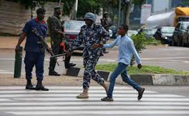 Shi'ite protesters clash with Nigeria military, police in Abuja | Reuters