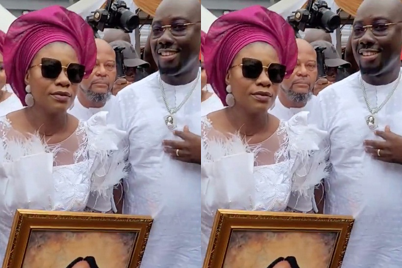 Watch Obi Cubana's wife reactions the moment the body of their late mother arrived