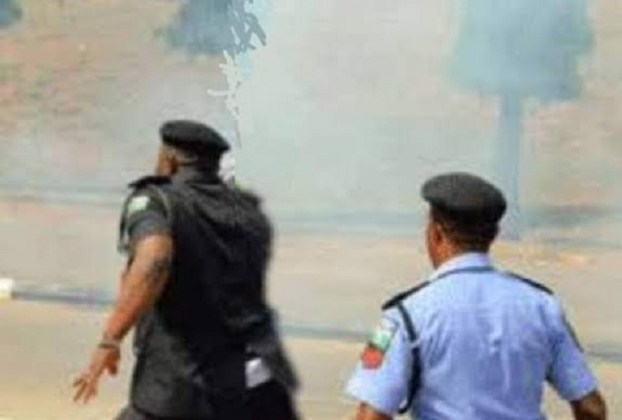 BREAKING!!!! Unknown Gunmen Storm Anambra Police Station, Drops Shocking Message For FG