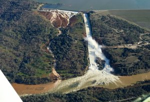oroville-dam-emergency-spil1