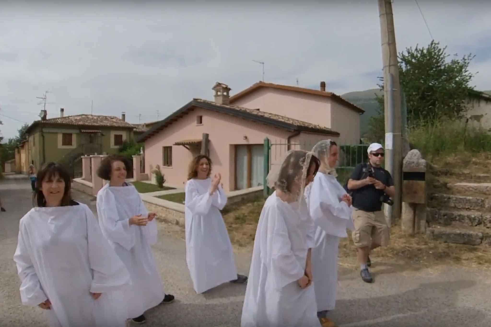 Ri-Vivendo Frascaro scena 3bis – La processione
