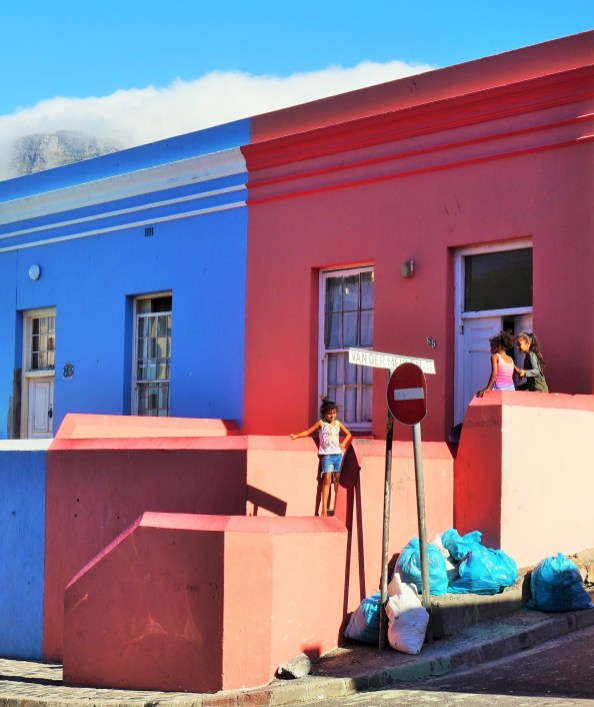 Bo Kaap kids and houses